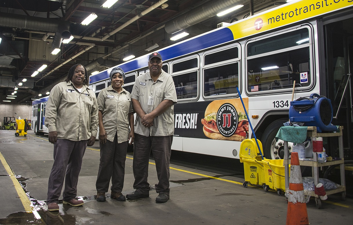 Metro Bus Cleaner : Good question how are buses and trains cleaned metro
