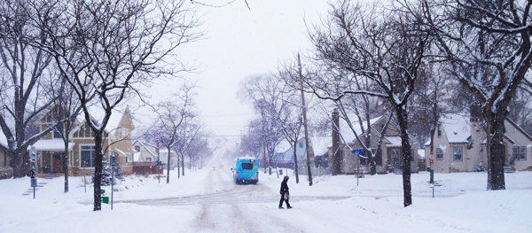 photo metro transit bus in snow